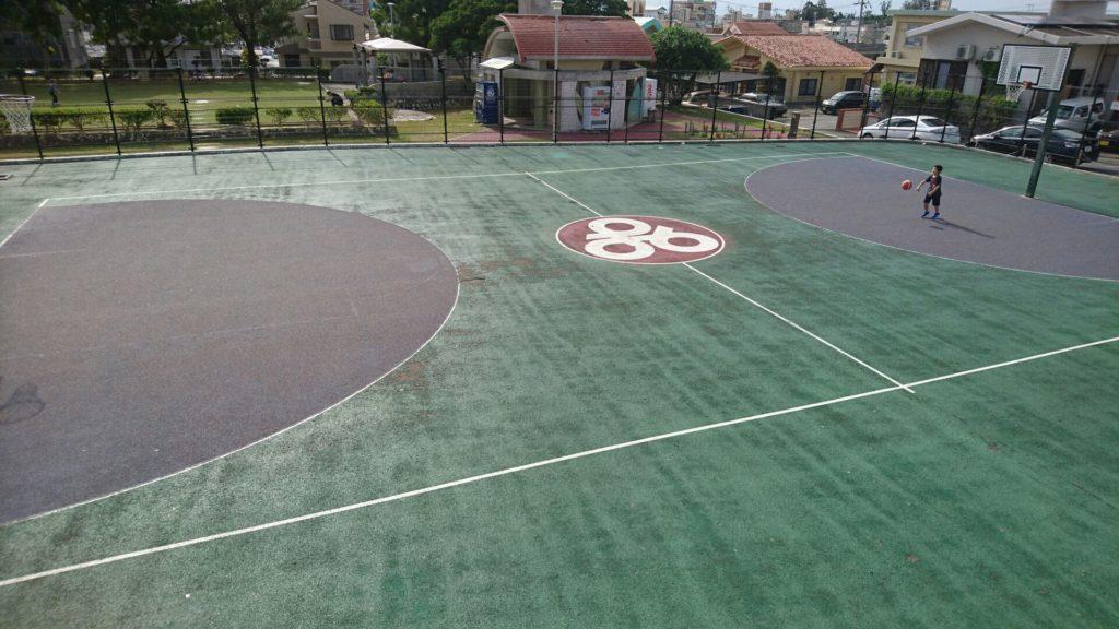 沖縄市山内公園のバスケットコート