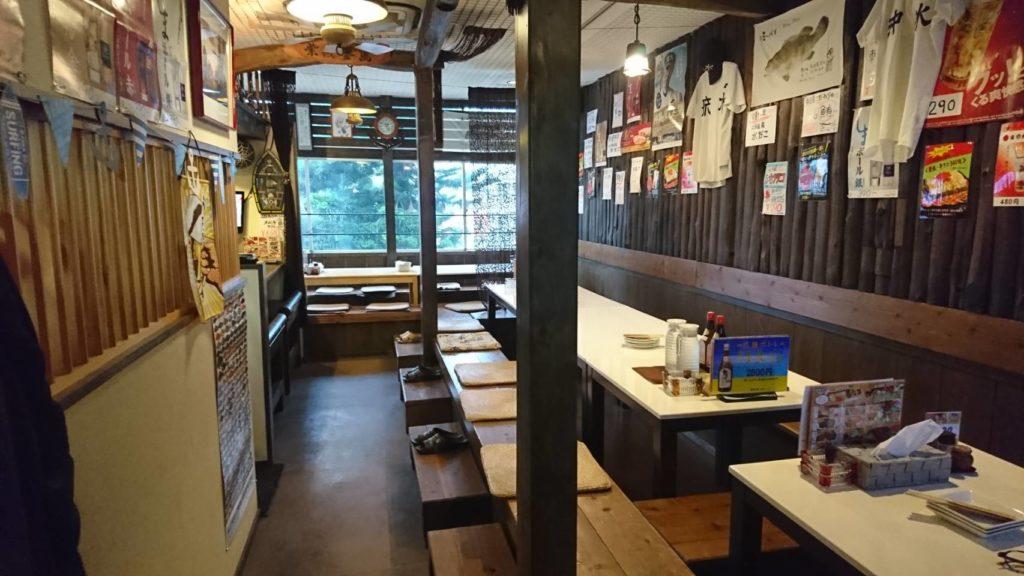沖縄市中央居酒屋羅針盤の座敷