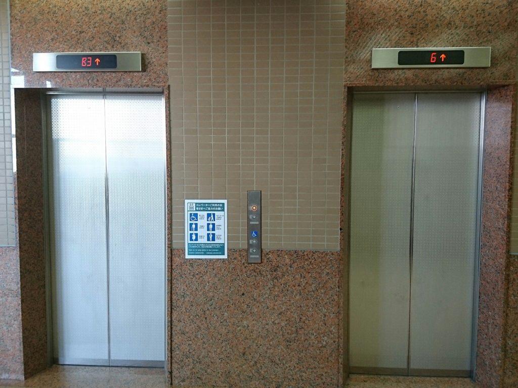 沖縄市役所展望台へのエレベーター