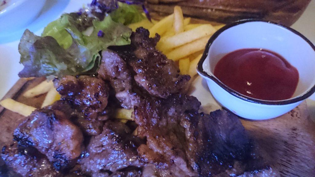 沖縄市胡屋肉バル絆のカルビ