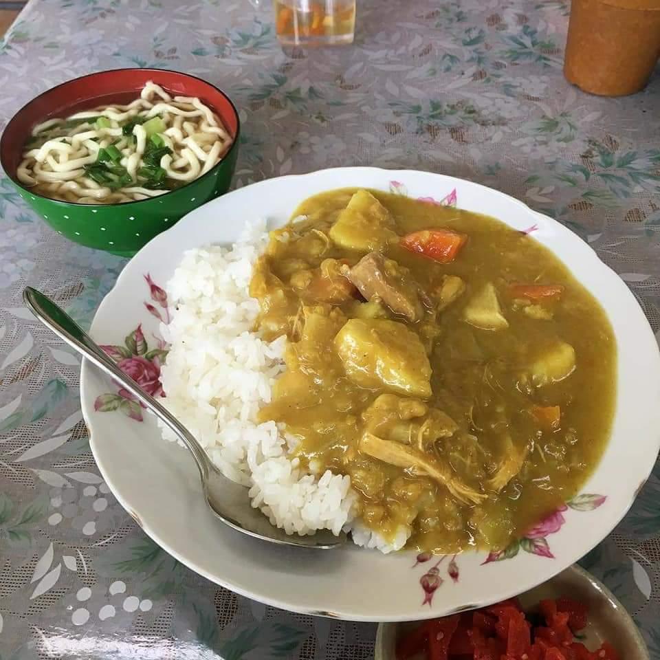 沖縄市平和食堂のカレー