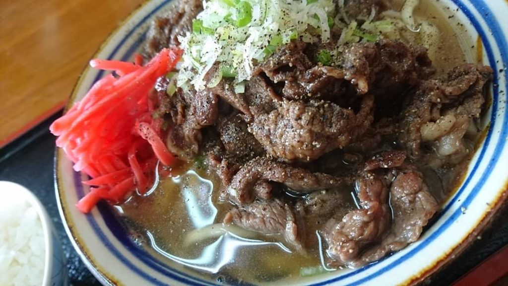 沖縄市胡屋味好みの牛肉そば