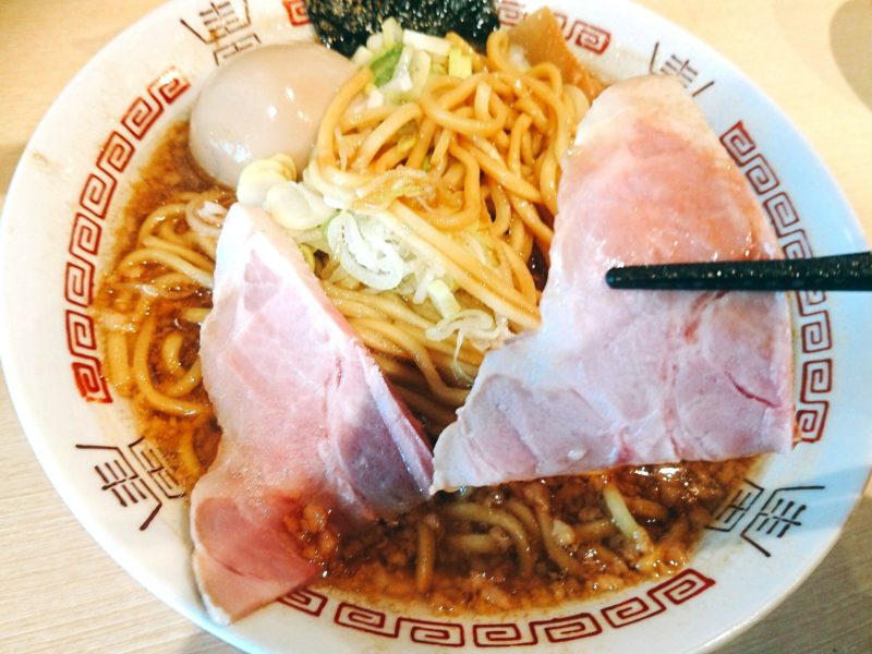 沖縄市美原らー麺アオキジの醤油らー麺チャーシュー