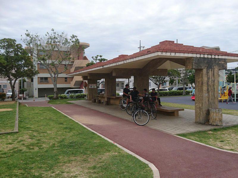 沖縄市海邦マンタ公園のあずまや