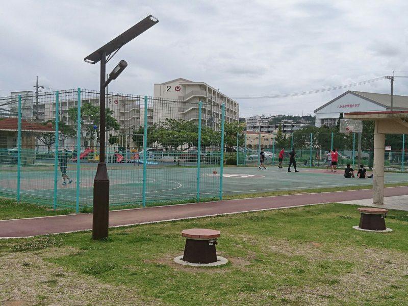 沖縄市海邦マンタ公園のバスケットコート