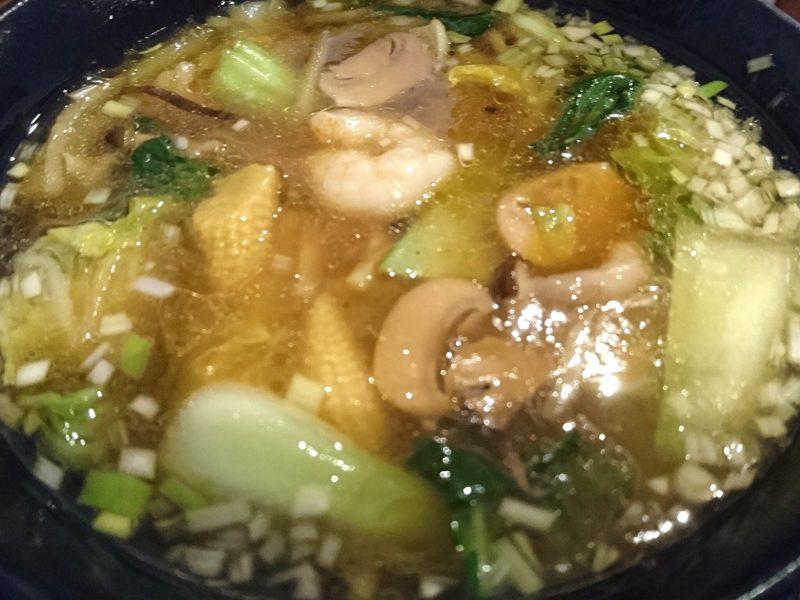 沖縄市中華料理義龍イーロンのラーメン