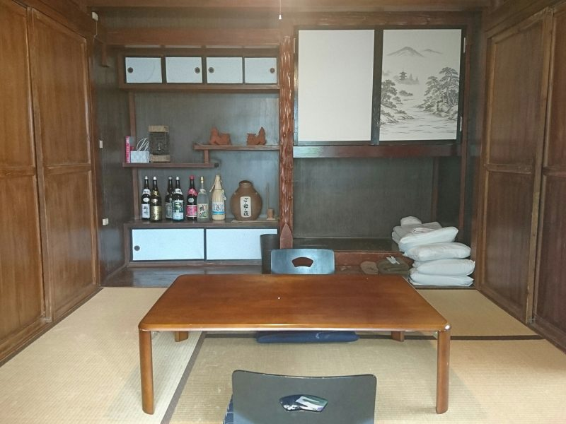 沖縄市ごーやー荘の客室