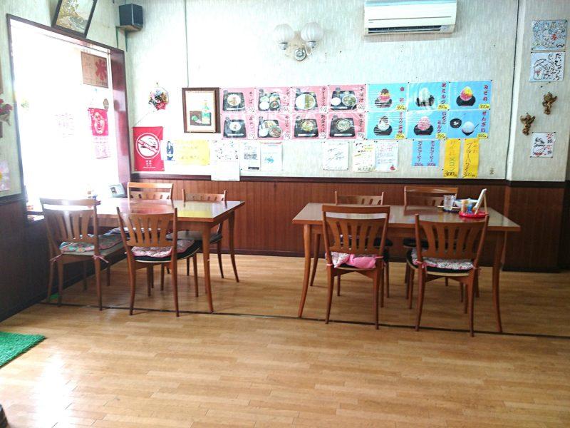 沖縄市上原ぜんざいのテーブル