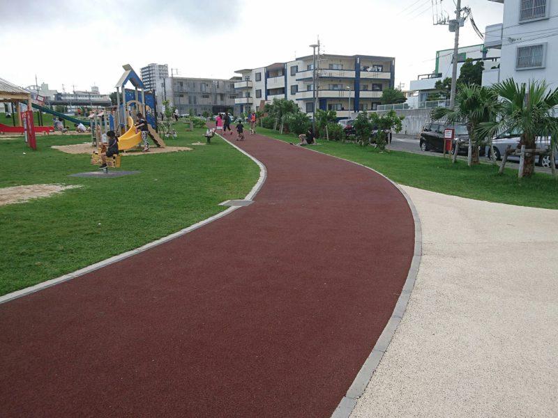 沖縄市若夏公園のウォーキングコース