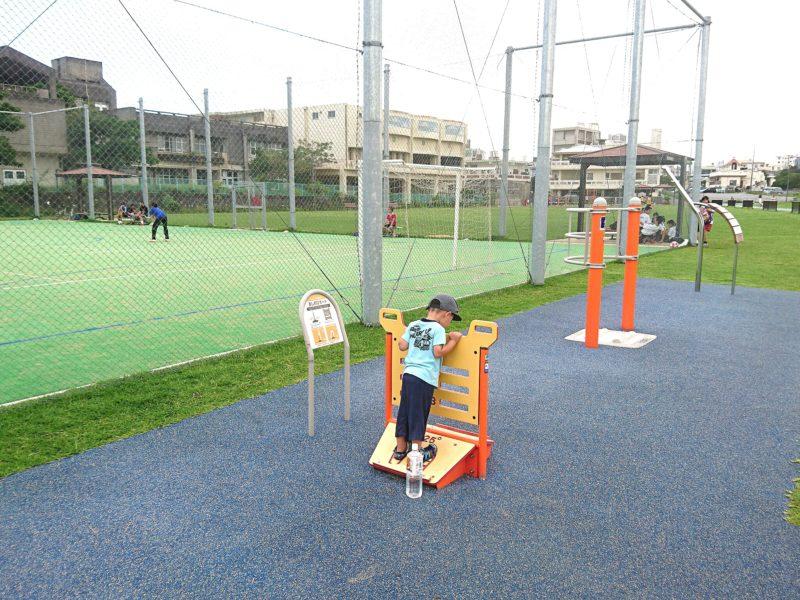 沖縄市若夏公園のフットサルコート