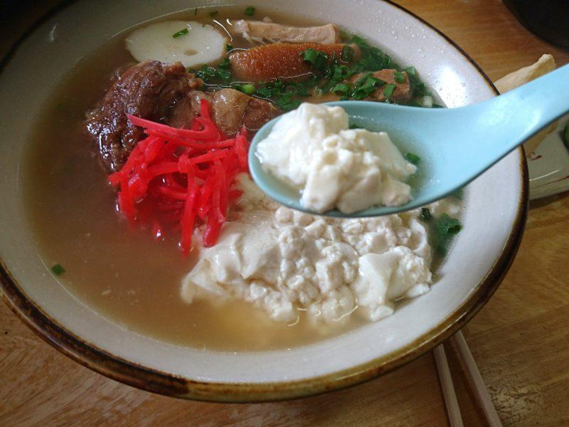 沖縄市美里そばのゆし豆腐