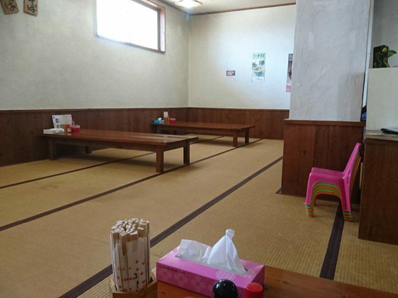 沖縄市高原又吉そばの座敷