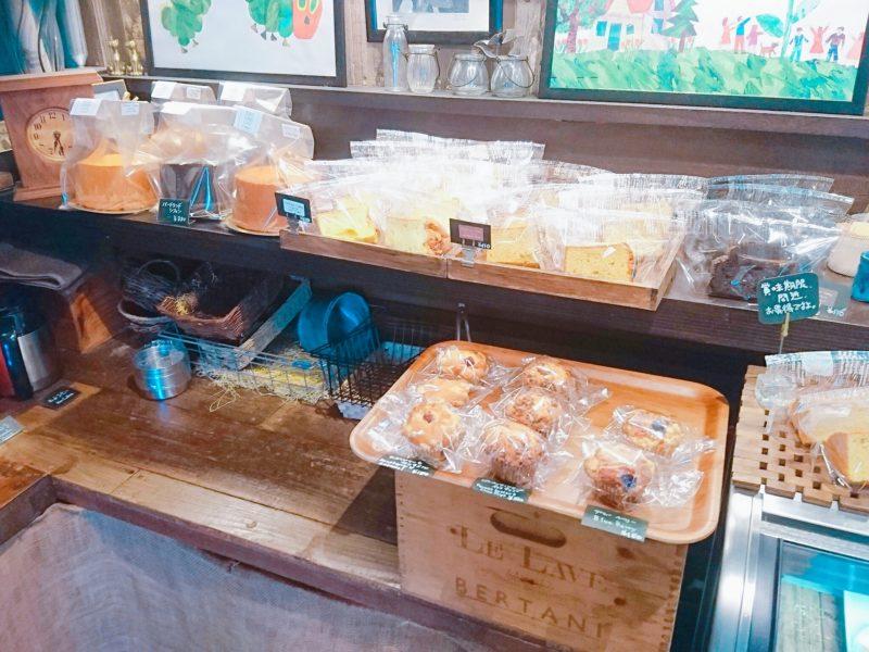 沖縄市バードランドカフェのお菓子