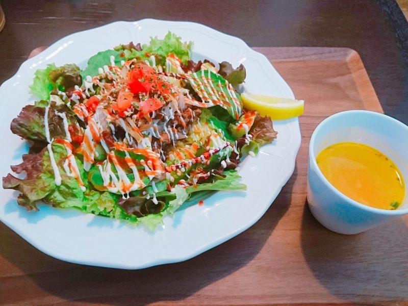 沖縄市バードランドカフェのオーバーライス