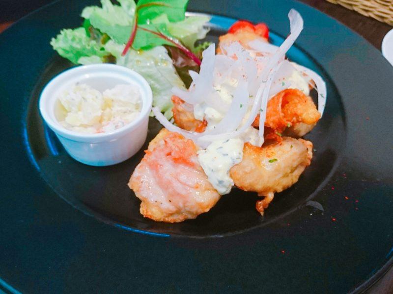 沖縄市バードランドカフェのチキン南蛮