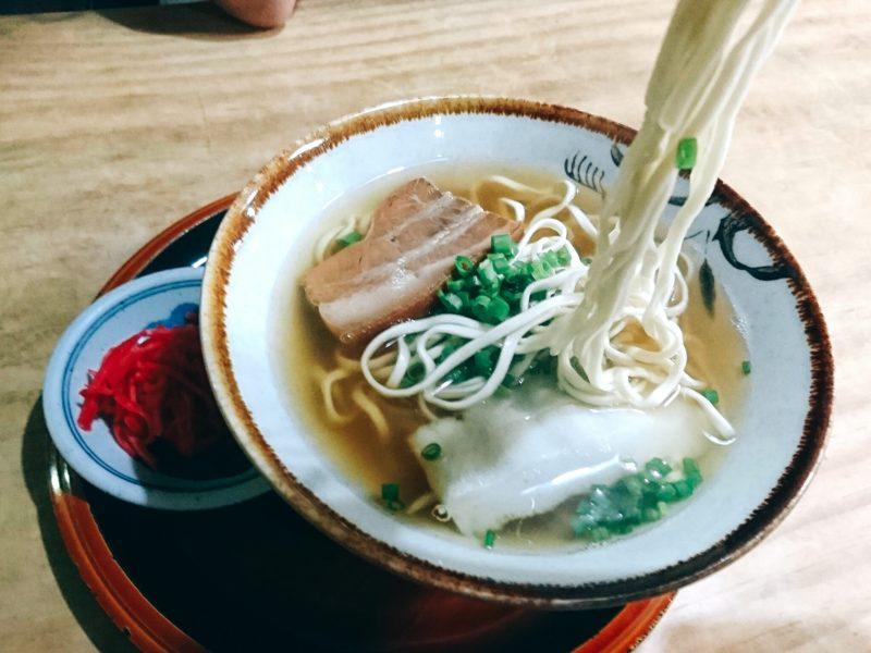 宮古そば愛沖縄市上地中の町の麺