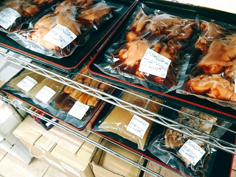 沖縄市高原泡瀬アワセそばのスープ、お肉