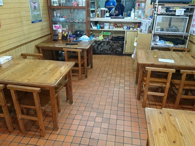 沖縄市照屋お食事処一茶の店内