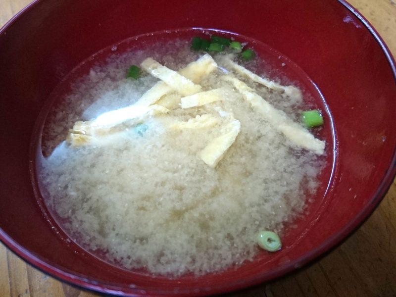 沖縄市照屋お食事処一茶の味噌汁