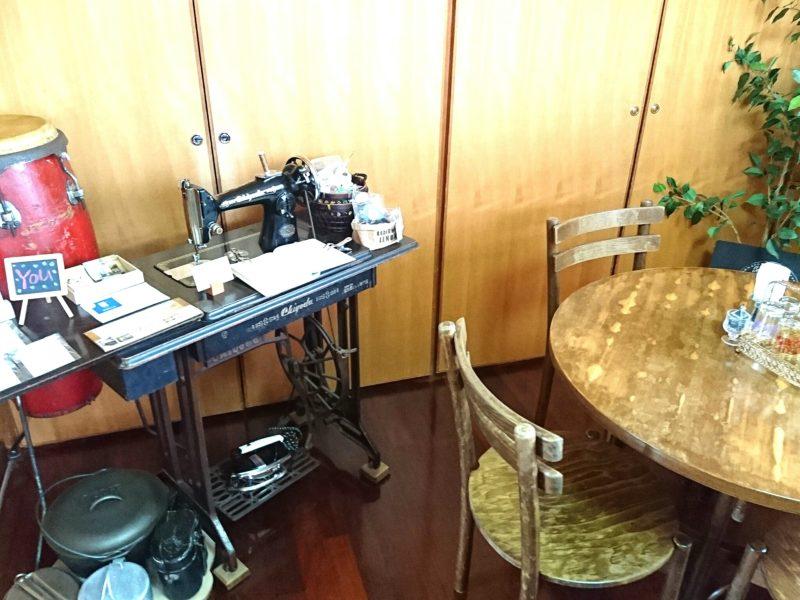 沖縄市胡屋Cafeかふーしの店内