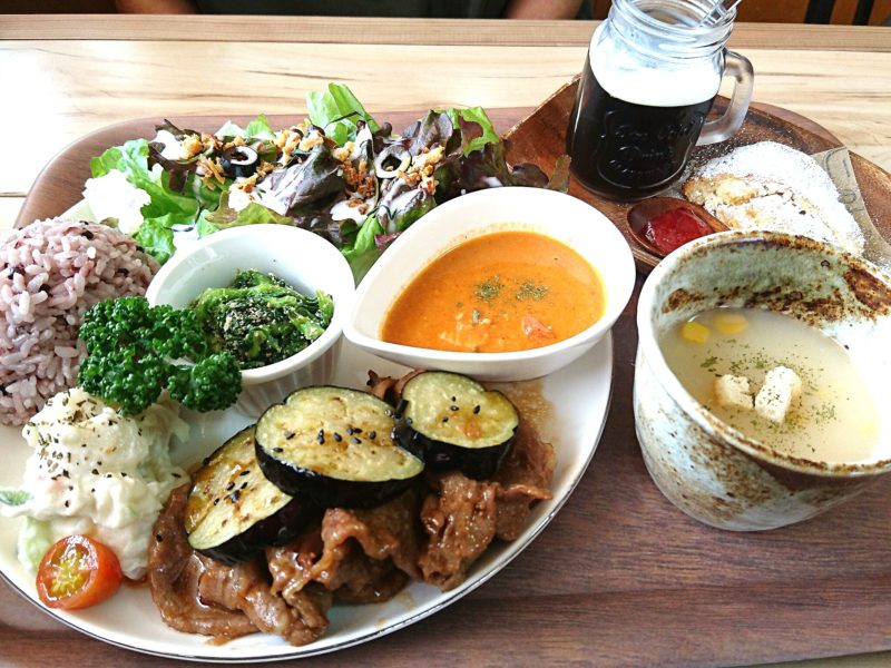 沖縄市胡屋Cafeかふーしのポークジンジャー