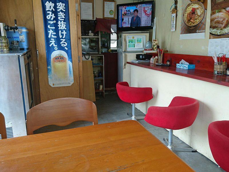 沖縄市安慶田栄食堂の店内