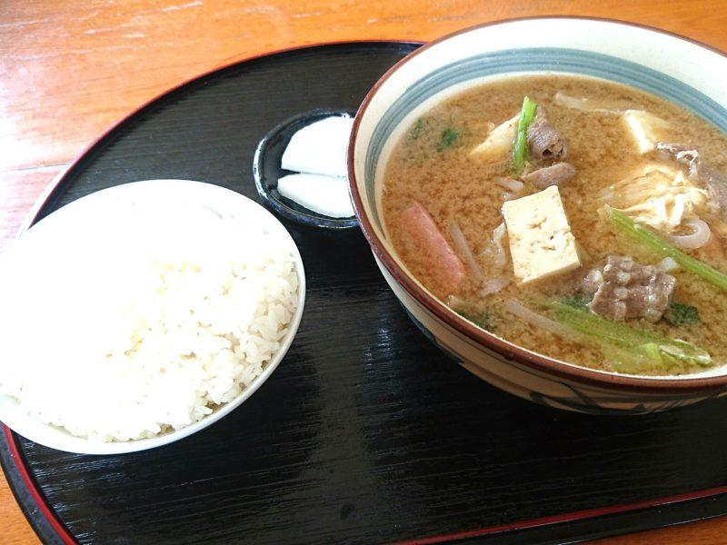 沖縄市安慶田栄食堂の味噌汁