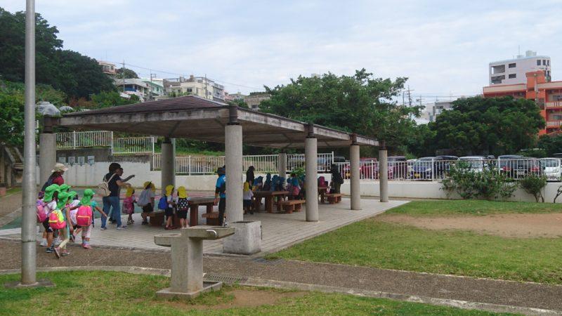 沖縄市室川公園の東屋