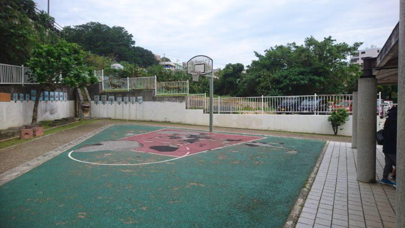 沖縄市室川公園のバスケットコート