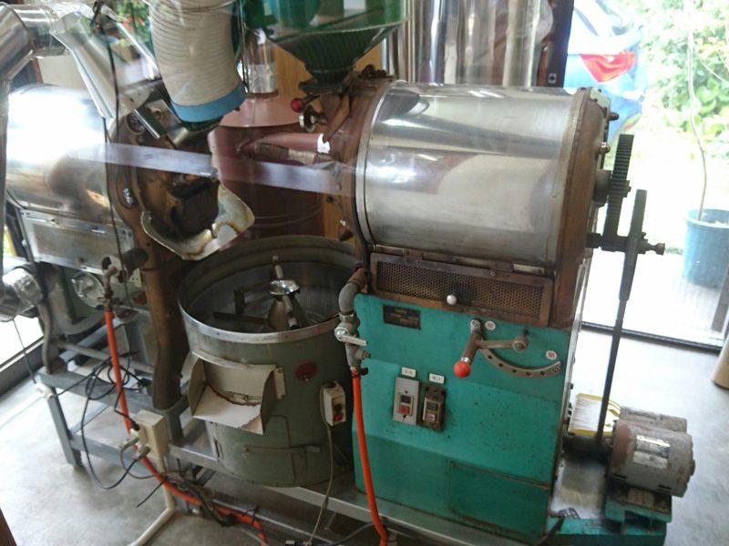 沖縄市原点の豆を焼く機械