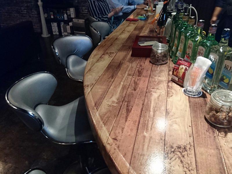 沖縄市胡屋BAR BROR(バーブロー)のカウンター