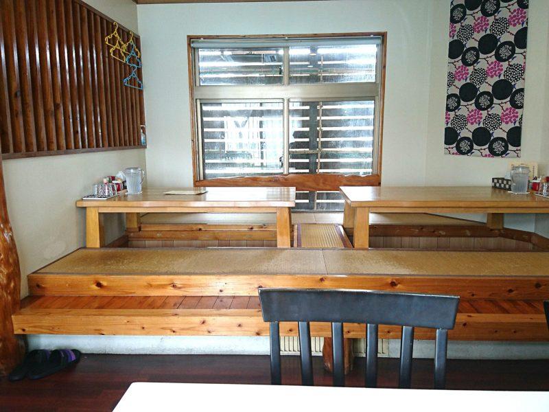 沖縄市食楽屋おはなの店内