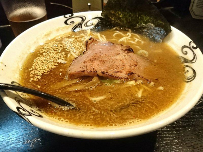 沖縄市上地中の町夜麺食堂松風の松風らーめん