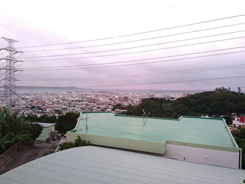 火然(びぜん)沖縄市高原の景色