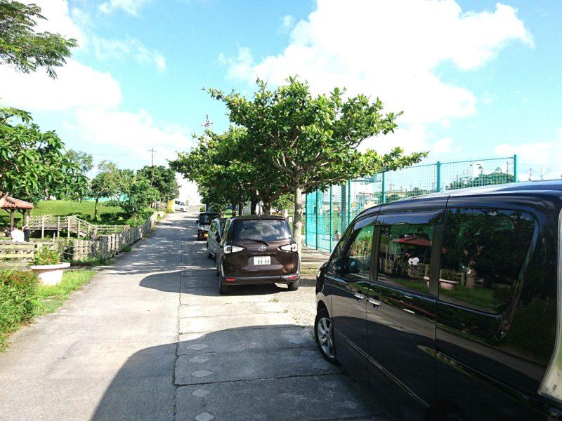 沖縄市知花白川街区公園の駐車場