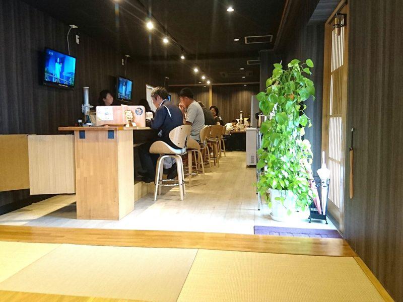 沖縄市松本池武当麺家しゅんたくのカウンター