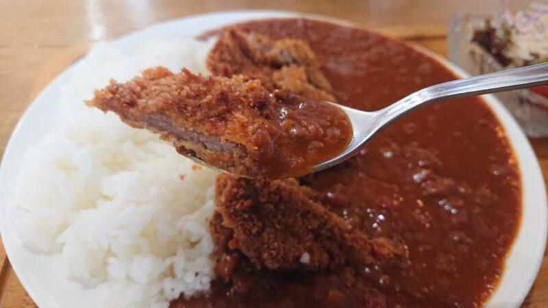 食楽屋おはな沖縄市室川のカツカレー