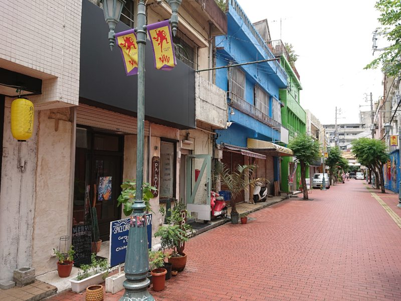 沖縄市パルミラ通り