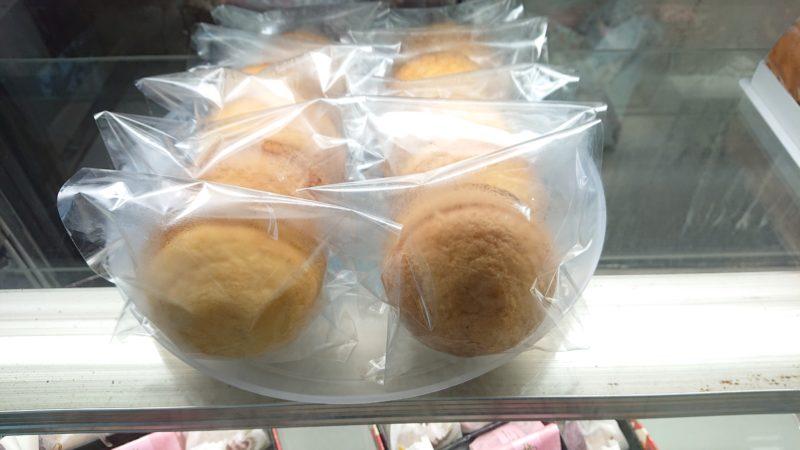 なかもと製菓沖縄市胡屋のパフケーキ