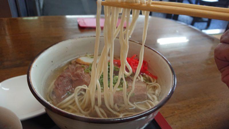 沖縄市すば処うゎちちの麺