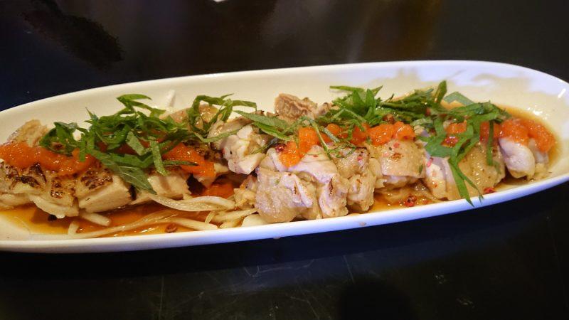 沖縄市胡屋肉バル絆の蒸し鶏もみじおろし