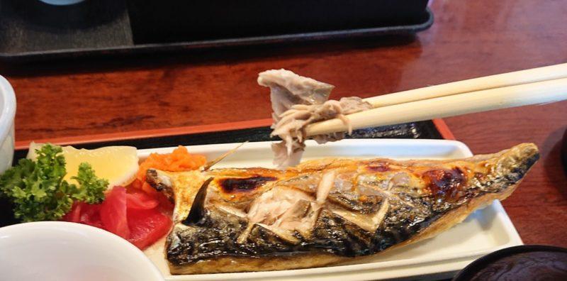 沖縄市胡屋割烹末広のさば塩焼き