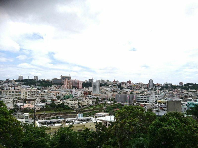 沖縄市越来グスクからの眺め