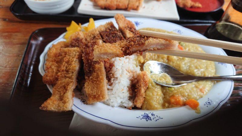 沖縄市中央定食丸仲のカツカレー