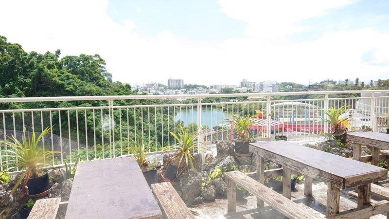 沖縄こどもの国レストラン海族工房のテラス