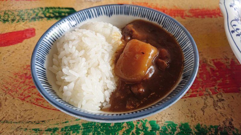 沖縄こどもの国レストラン海族工房のカレー