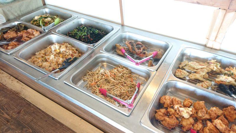 沖縄こどもの国レストラン海族工房のバイキング