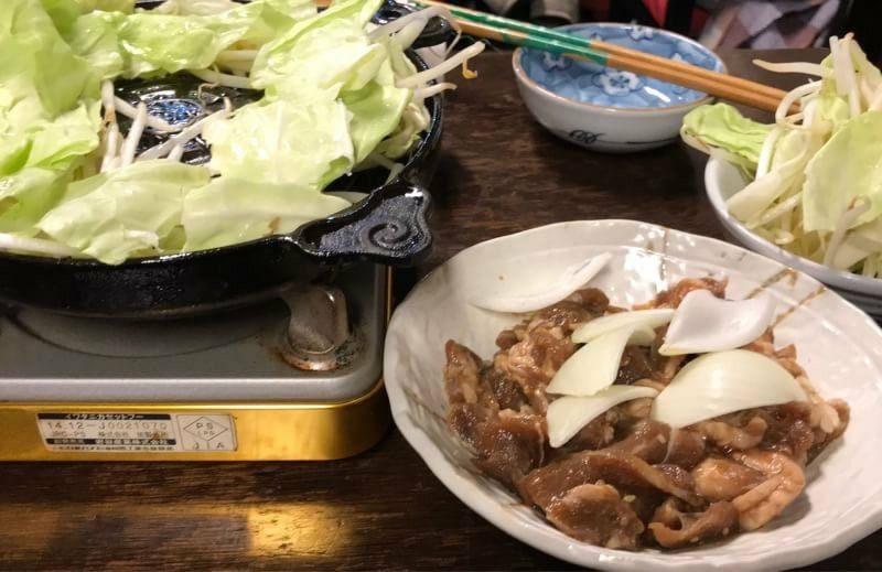 沖縄市嘉間良帯広豚丼炭火焼きとんたんのジンギスカン