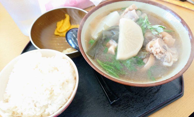 沖縄市池原和泉食堂のてびち汁