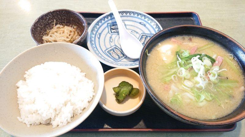 沖縄市胡屋なか・ゆくいのみそ汁定食